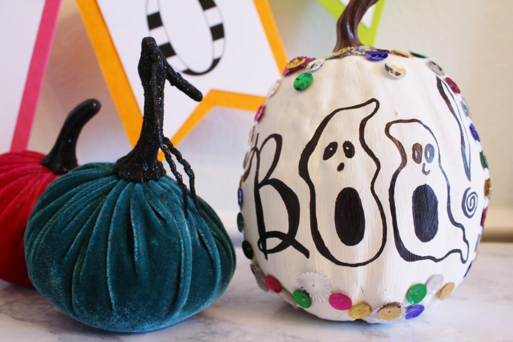 how to decorate a halloween pumpkin